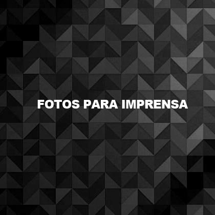 http://www.dorissamba.com.br/wp-content/uploads/2013/01/fotos_imprensa.png